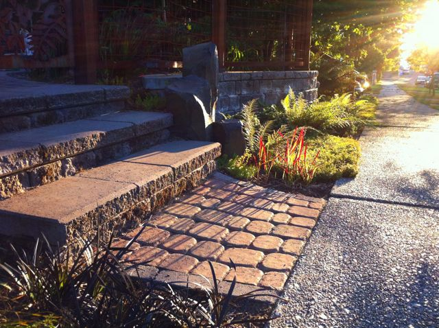 Old Dominion pavers, Roman Pisa steps, basalt columns - West Seattle.
